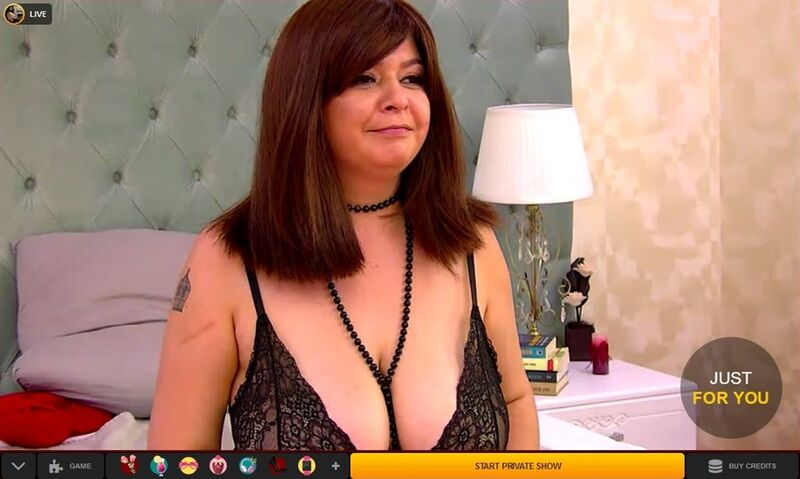 Chubby brunette with large tits on LiveJasmin